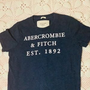 men's A&F embroidered letter T-shirt